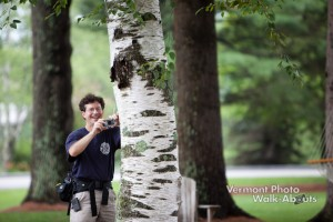 Stabilizing the camera by bracing against a tree