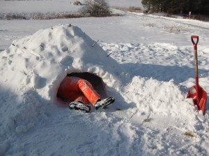 Digging out the inside of the quinzee